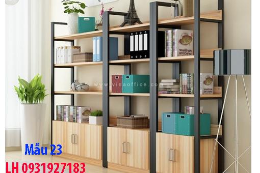Mẫu kệ nhiều tầng đẹp tại Đà Nẵng.  Mặt kệ được làm bằng gỗ công nghiệp.